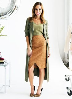 Sydne Style gives tips on how to wear a duster coat with a skirt