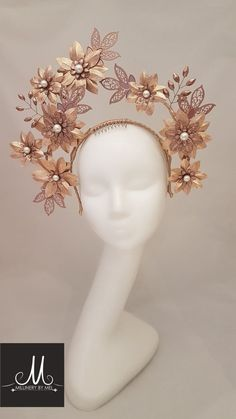 mother earth photo shooting inspiration Millinery By Mel design Rose gold leather and embellished crown Millinery Hats, Fascinator Hats, Fascinators, Head Accessories, Fashion Accessories, Look Star, Flower Headdress, Fantasy Costumes, Fairy Costumes