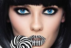 Every girls needs to know how to do sexy smokey eyes. This smokey eyes step by step tutorial will teach you the basics that you can practice and master.