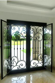 Super ideas for wrought iron front door home Iron Front Door, Double Front Doors, Solid Doors, Burglar Bars, Window Bars, Window Grill Design, Wrought Iron Doors, Front Door Design, Iron Decor