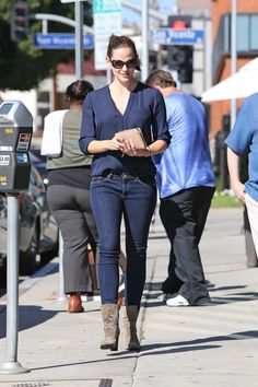 jennifer garner : Celebrities in Designer Jeans from Denim Blog Love her casual look