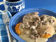 Peppered Sausage Gravy and Biscuits - edibles - breakfast - Sausage Recipes Ham Breakfast Casserole, Breakfast Burger, Breakfast Club, Breakfast Biscuits, Breakfast Muffins, Corned Beef Recipes, Sausage Recipes, Cooking Recipes, Sausage Meals