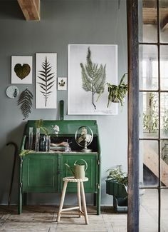 Decorate With What You Have: 9 Things You May Already Own That Make Beautiful Wall Art | Apartment Therapy