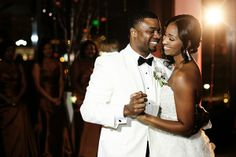 Atlanta Wedding With City View by Nadia D. Photography: Alicia and Lance - Munaluchi Bridal Magazine
