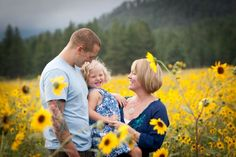 Spectacular Family Photo Shoot in the Flagstaff Sunflower Fields by Tangled Lilac Photography Sunflower Photography, Autumn Photography, Photography Ideas, Fun Family Photos, Family Portraits, Great Pictures, Picture Ideas, Photo Ideas, Sunflower Pictures