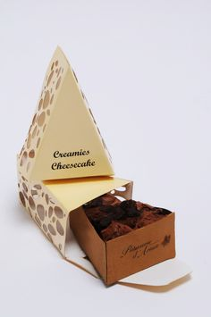 Cheesecake Packaging by Ekin Dagli Creative Package Design Ideas Cheese Packaging, Dessert Packaging, Bakery Packaging, Cool Packaging, Brand Packaging, Gift Packaging, Packaging Ideas, Comida Delivery, Chocolate Packaging