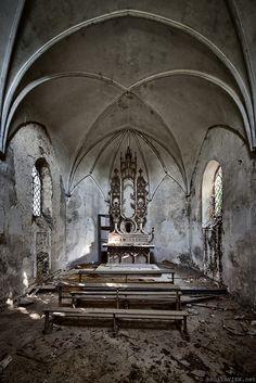 Chapelle du Meuse by brokenview, via Flickr