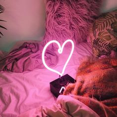 Love More ❤️ Neon Mfg. Heart Neon Table Lamp I Sku: 38296489 I #UOHome #UrbanOutfitters #UOLoveStories