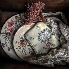 #old #oldtimes #vintage #vintagestyle #pottery #faience #embroidery #handmade #lace #kézimunka #tányér #hímzés #csipke #virág #drayflower #lovely #flowers #french #insta #instaphoto #instalike #instagram #instavintage #instagood #nice