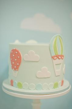 Up, Up & Away {Hot Air Balloon Cake}