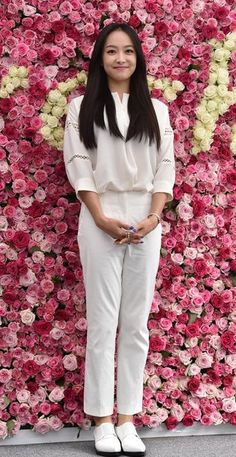 Actress Kim Hyo-jin poses at a promotional event for a cosmetics brand in Seoul on Friday. On June Korean celebrities attended 'Fresh Real Rose Festival', an outdoor event for Lotte Department store. The place was decorated with roses. Victoria Song, Queen Victoria, Kim Yoo Mi, South Korean Girls, Korean Girl Groups, Nam Bo Ra, Korean Celebrities, Celebs, Lee So Yeon