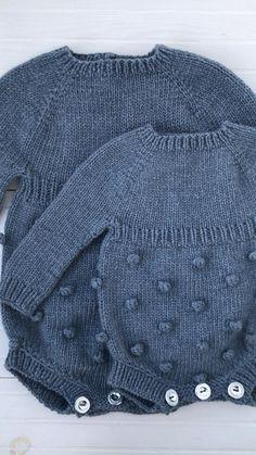 Baby boy warm romper with long sleeve. Popcorn romper for baby. Bubble romper for bou and girl Baby Boy Knitting Patterns, Baby Cardigan Knitting Pattern, Baby Clothes Patterns, Baby Outfits, Spring Outfits, Knitted Baby Clothes, Baby Sweaters, Baby Dress, Crochet Baby
