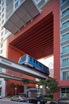 metromover miami #TheCrazyCities #crazyMIAMI