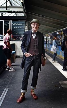 This 104 year old man has more style than you