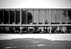 Ludwing Mies van der Rohe  Tultitlán de Mariano Escobedo, México. 1957 - 1961  Fotografías: Fabián Coutiño        Fuente: Plataforma Arquite...