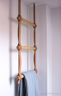 No Excuses: Easy Ideas for a More Beautiful Bathroom on the Cheap - Bathroom Decoration Leather ladder hanging organizer - could be a simple DIY! Use this hanging leather ladder to hang towels with metal hardware Home Design Ideas: Home Decorating Ideas B Diy Leather Projects, Leather Craft, Diy Furniture, Furniture Design, Diy Bathroom Furniture, Bathroom Ideas, Bathroom Hacks, House Furniture, Bathroom Cabinets