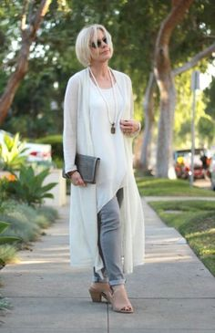 classy-style-for-old-lady- Style at a certain age http://www.justtrendygirls.com/style-at-a-certain-age/