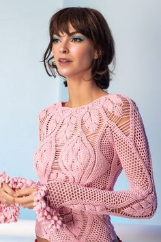 Crochet Patterns Blusas - Product Details Color: Rose Seamless Unlined Pullover Style Composition: Polyamide Dry Clean Handmade in Brazil Model is Crochet Bodycon Dresses, Black Crochet Dress, Crochet Skirts, Crochet Blouse, Diy Crochet, Crochet Clothes, Crochet Top, Crochet Summer, Crochet Designs