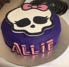 Monster high fondant topper - annabethbakes Fondant Toppers, Monster High, Birthday Cake, Desserts, Photos, Food, Tailgate Desserts, Birthday Cakes, Deserts