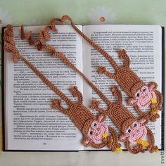 """Закладки для книг ручной работы. Ярмарка Мастеров - ручная работа Вязаная закладка """"Озорная обезьянка"""". Handmade."""