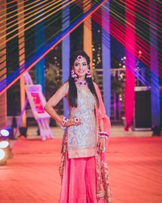 Offbeat Mehendi Outfits Spotted On Real Brides Function Dresses, Mehndi Outfit, Desi Wedding, Cape Dress, Bridal Photography, Mehendi, Looking Gorgeous, Wedding Styles, Beautiful People
