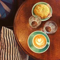 @cafepiha_bordeaux #cafe#coffee#coffeetime#coffeeaddict#coffeeshop#coffeebreak#coffeelover#coffeelove#flatwhite#barista#art#sunny#thursday#morning#ferie#work#sucks#fuck#life#love#picoftheday#photooftheday#igers#igersfrance#bordeauxmaville#bordeaux#france