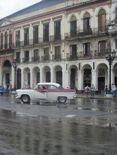 El centro histórico de la Ciudad de La Habana fue declarado monumento histórico nacional por el Gobierno Cubano en 1976 y Patrimonio de la Humanidad por la Unesco en 1982. Es objeto de restauraciones realizadas por un equipo de historiadores y arquitectos dirigidos por la por la Oficina del Historiador de La Habana.
