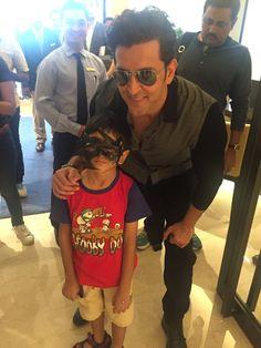 When Hrithik Roshan's kid fan met Krish, hrithik roshan, mohenjo daro, mohenjo daro movie promotion, krish fan, hrithik roshan news, hrithik roshan updates   #hrithikroshan #poojahegde #mohenjodaro
