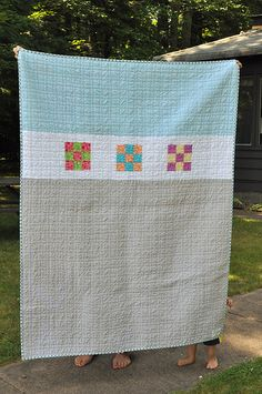 Neat quilt back -- I like the three colors (blue, white, tan).   *this link goes nowhere though* :(