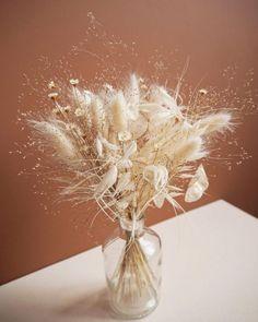 Dried Flowers Bouquet Biblical Wedding Invitation Wording Fun Second W – walnuttal Deco Floral, Floral Design, Floral Wedding, Wedding Flowers, Bouquet Wedding, Dried Flower Arrangements, Table Arrangements, Pink Day, Dried Flower Bouquet