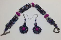 Glass beaded bracelet and earrings.