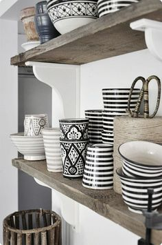 Moroccan DESIGN!! (love the black and white)