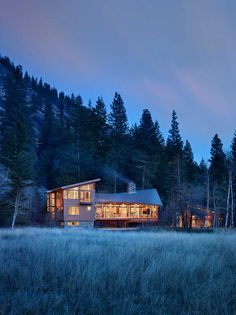 Finne Architects have designed the Mazama House, located in the Methow Valley of Washington State. Also designed by Finne Architects are some of the custom furniture pieces shown throughout the house.
