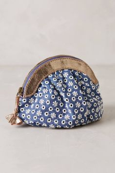 ☆ http://topista.com/2015/05/anthropologie-new-arrivals-spring-accessories-bags/