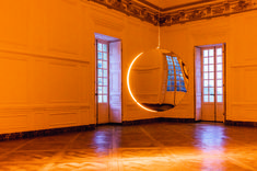 After Anish Kapoor last year, it is now the turn of Danish-Icelandic visual artist Olafur Eliasson to take over the Château de Versailles until October Jeff Koons, Anish Kapoor, Chateau Versailles, Palace Of Versailles, Takashi Murakami, Land Art, Giuseppe Penone, Studio Olafur Eliasson, Icelandic Artists