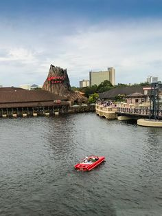 The Best Restaurants in Disney Springs - | Family Travel Magazine Disney World Resorts, Hotels And Resorts, Walt Disney World, Disney World Tips And Tricks, Disney Tips, Disney Reservations, Different House Styles, Rainforest Cafe, Disney Dining Plan