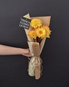 63 Ideas For Flowers Bouquet Diy Single Bouquet Wrap, Diy Bouquet, Flower Box Gift, Flower Boxes, How To Wrap Flowers, Little Flowers, Amazing Flowers, Beautiful Flowers, Dried Flowers