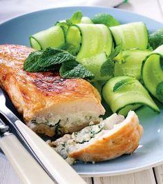 Pieptul de pui umplut cu branza se face in doar 25 de minute. Cooking Recipes, Healthy Recipes, Healthy Food, Salmon Burgers, Dinner, Ethnic Recipes, Fine Dining, Dining, Chef Recipes