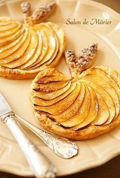 Tartelettes de pommes en forme de pommes ! Un très joli dessert d'automne.: