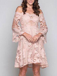 CHOIES bietet derzeit 10% Nachlass mit dem Code ebates10 ... Nude Pink Off Shoulder Cut Out Detail Flare Sleeve Lace Dress