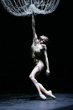Bernice Coppieters in Sidi Larbi Cherkaoui's Mea Culpa photo Marie Laure Briane