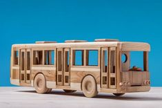 Hand Carved Wood model Car Toy Rolling Wheels Made In Russia Woodworking Toys, Woodworking Workshop, Woodworking Furniture, Wood Projects For Kids, Diy Craft Projects, Wooden Toy Trucks, Wooden Gears, Waldorf Toys, Wood Patterns