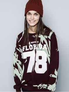 http://www.lovelyshoes.net/College-sweatshirts-casual-letters-pattern-pullover-tops-CY-D1030C4-g121481.html