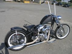 This is an amazing Yamaha Bobber Motorcycle that is old school looking but has the quality Japanese engineering we all crave for in a bobber motorcycle. Xs650 Bobber, Bobber Bikes, Bobber Motorcycle, Motos Harley Davidson, Classic Harley Davidson, Hd Vintage, Vintage Bikes, Custom Choppers, Custom Bikes