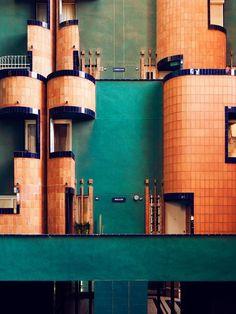 معماری زیبا و متفاوت با کاشی نمایی دیگر نیک زی