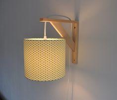 Lampe équerre - applique murale - abat-jour à pois vert citron - fil électrique en tissu blanc pailleté - lampe moderne
