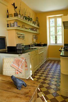 atmosph re conviviale pour cuisine authentique cottage aga bois laqu granit noir timbre. Black Bedroom Furniture Sets. Home Design Ideas