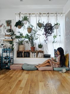 11 Creative Workspaces That Will Make You Finally Clean Your Office Art Studio Room, Art Studio At Home, Home Art, Art Studio Design, My New Room, My Room, Container House Design, Cozy House, Room Decor Bedroom