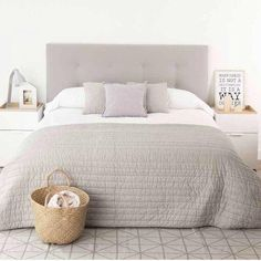Coral Furniture: The Perfect Summer Bedroom Decor White Bedroom Furniture, Home Bedroom, Master Bedroom, Bedroom Decor, Master Master, Bedroom Ideas, Home Interior, Interior Design, Scandinavian Interior