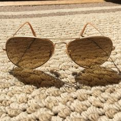 7c19e4bd96f215 Ray Ban Aviator Sunglasses RB 3025 112 85 brown gradient. Gold matte metal.